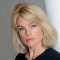 エリカ・エレニアック 『沈黙の戦艦』でのヌードシーン